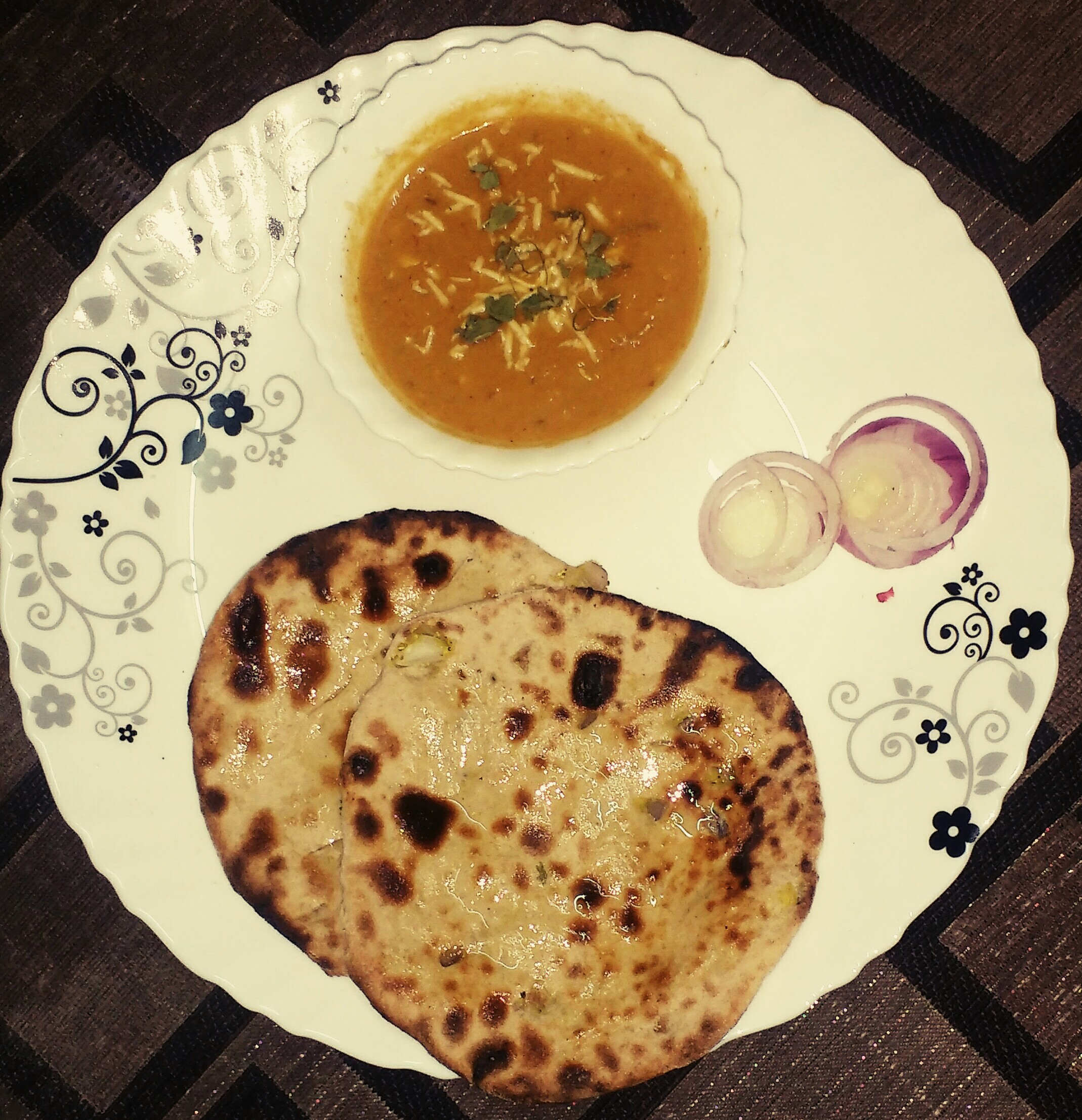 Tofu naan with gravy